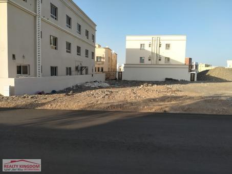 أرض سكنية للبيع في الخوض السابعة موقع سهل الدخول والخر�